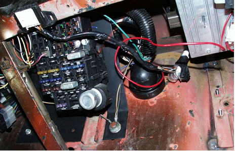 builds brian wires his cj 3b ewillys Jeep Fuse Block 1998 Jeep Cherokee Fuse Panel