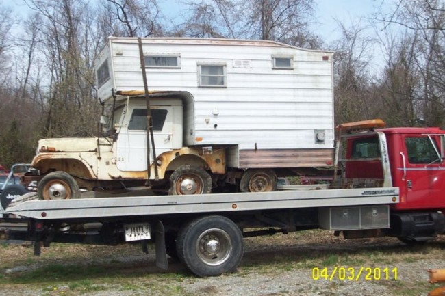 weird campers unusual rvs and other bizarre rolling rooms page 2. Black Bedroom Furniture Sets. Home Design Ideas