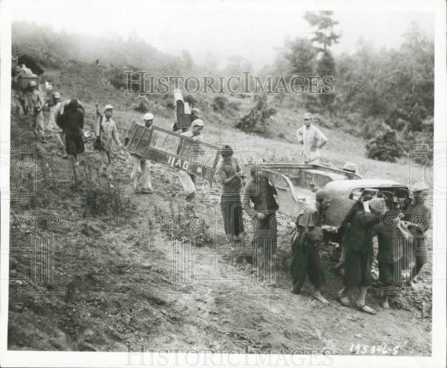 1944-11-12-yforce-china-carrying-jeep1