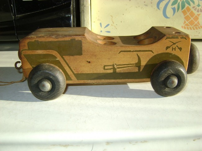 holgate-jeep-wood-pull-toy1