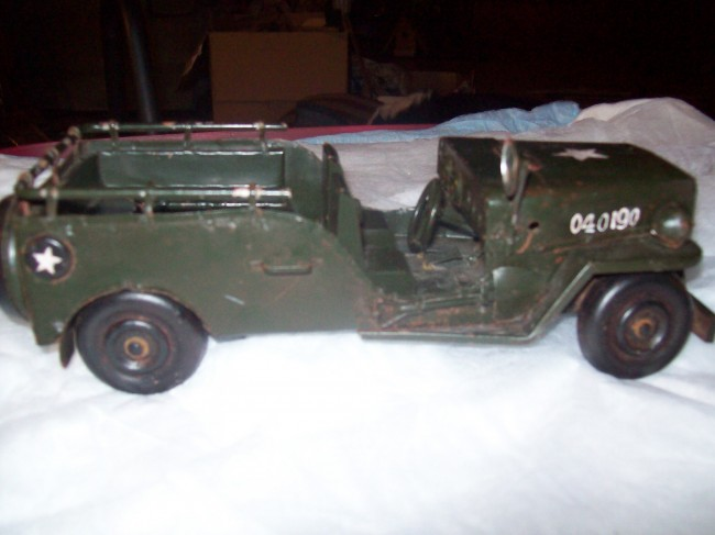 year-cj3b-stretched-military-toy-jeep1