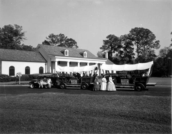 covered-wagon-CJ3B-floridamemory3