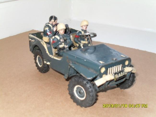 arnold-german-clockwork-jeep