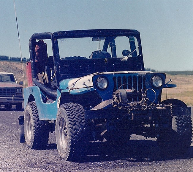blue_jeep_after_beverly_dunes