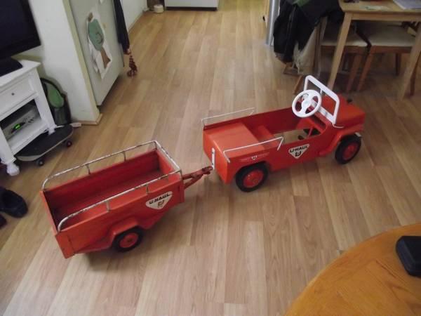 1950s-hamilton-uhual-pedal-car-and-trailer1