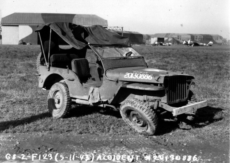 armyairforces-jeep-accident
