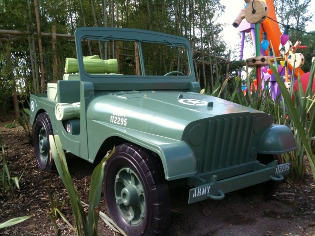 disney-toy-story-play-land-jeep