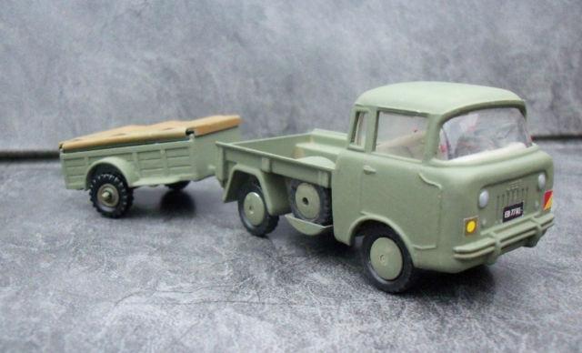 fc-corgi-trailer-toy