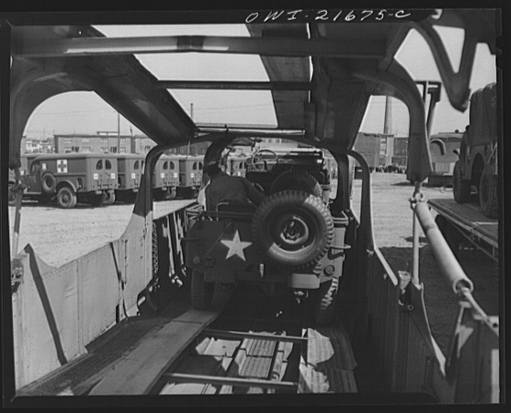 jeep-driven-onto-transport-trailer
