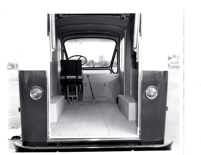 fleetvan-fj-photo-back