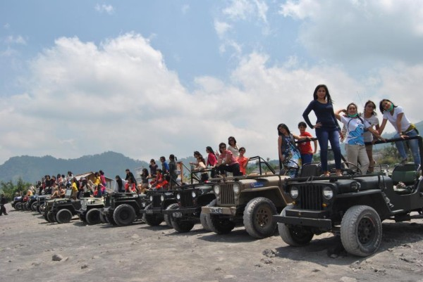 merapi-jeep-tour-community3