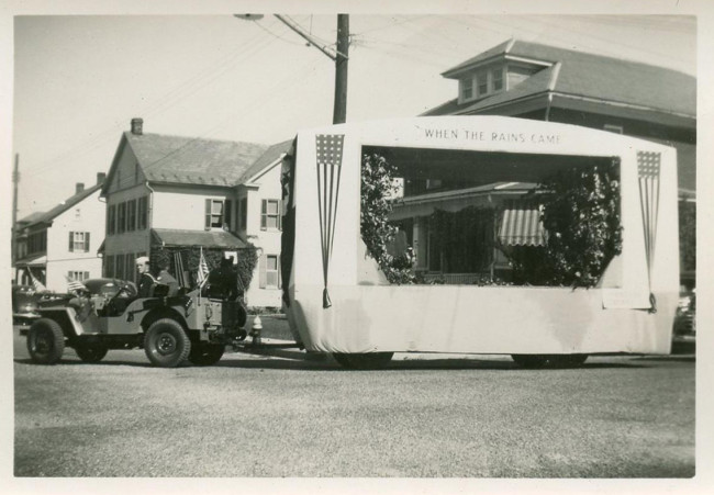1950s-cj3a-pulling-stage-photo