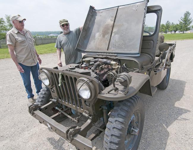2013-05-16-roger-jeeps-tractors6