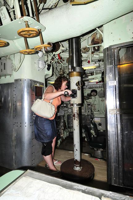 2013-05-30-albacore-submarine5