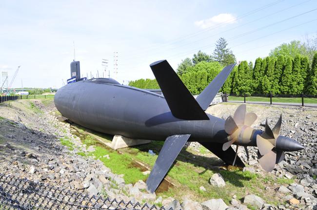 2013-05-30-albacore-submarine7