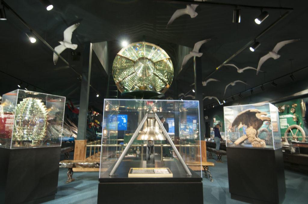 2013-5-10-shipwreck-museum-inside