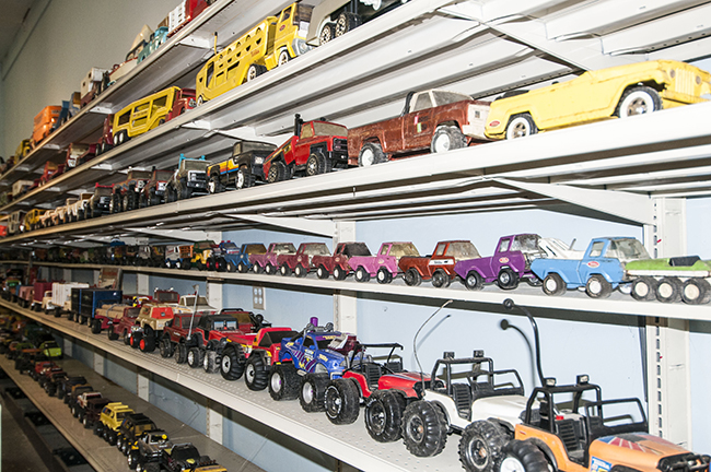 2013-5-11-jeeps-on-shelves-4-2-lores