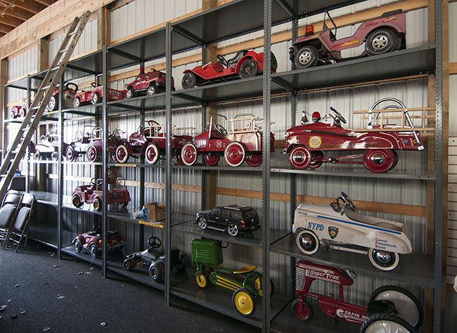 2013-5-11-pedle-cars-on-shelve-2-lores