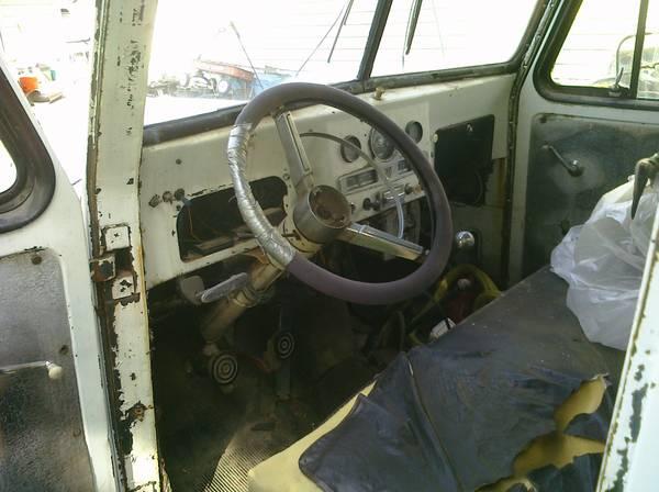 1953-truck-tow-salina-co2