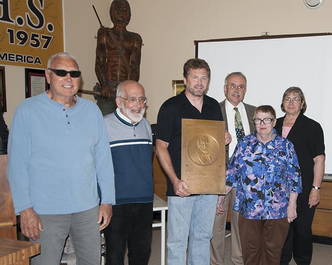2013-06-06-plaque-presentation
