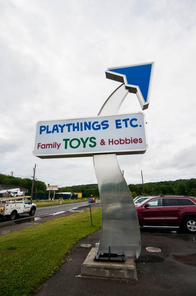 2013-06-10-playthings-hobbies-sign