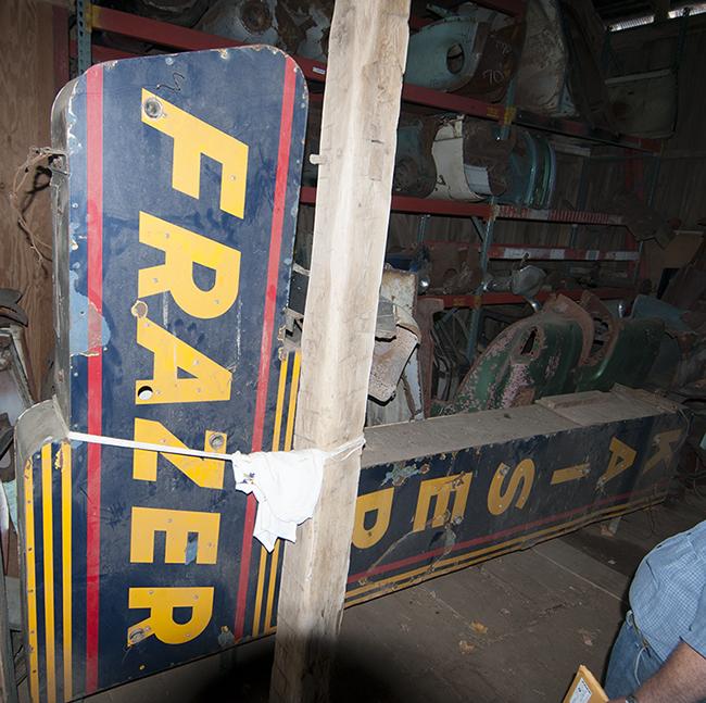 2013-06-12-dave-antram-kaiser-frazer-sign