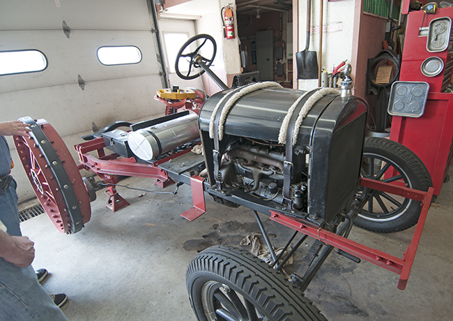 2013-06-12-modelt-tractor