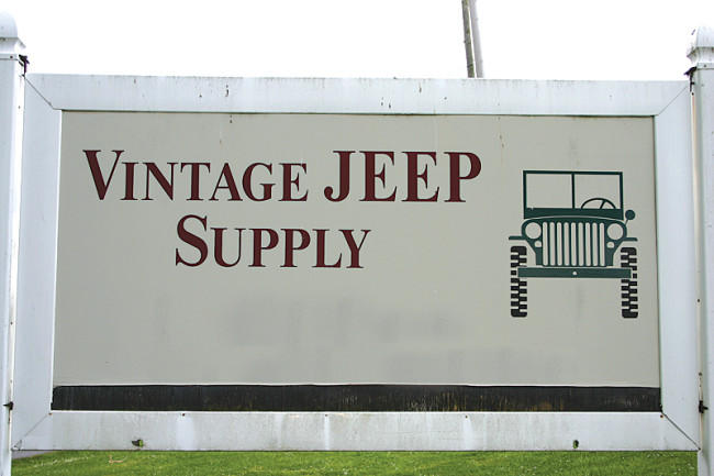 vintage-jeep-supply-auction1
