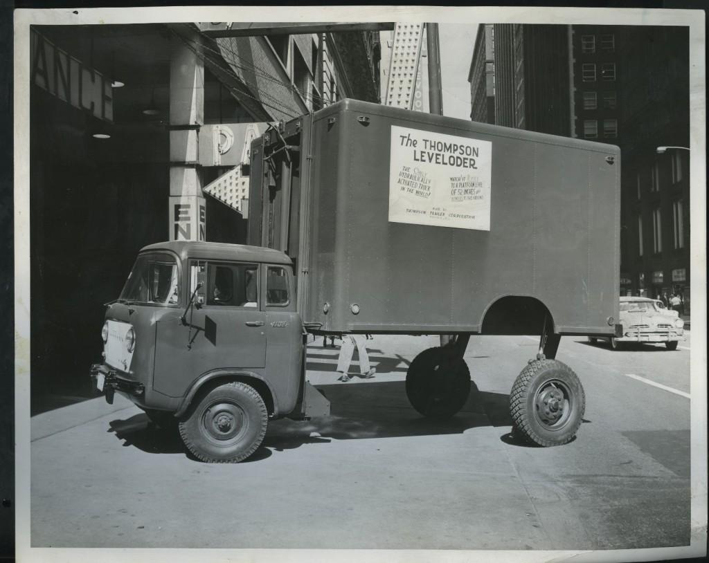 1958-fc-leveloader-hyrdraulic1