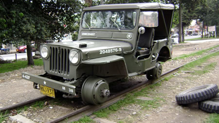 colombia-willys-jeep-train1