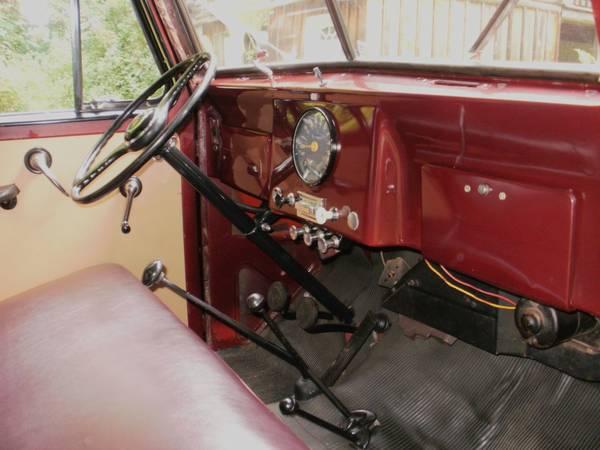 1959-truck-bristol-ct2