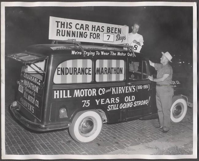 1950s-photo-jeep-wagon-endurance-marathon