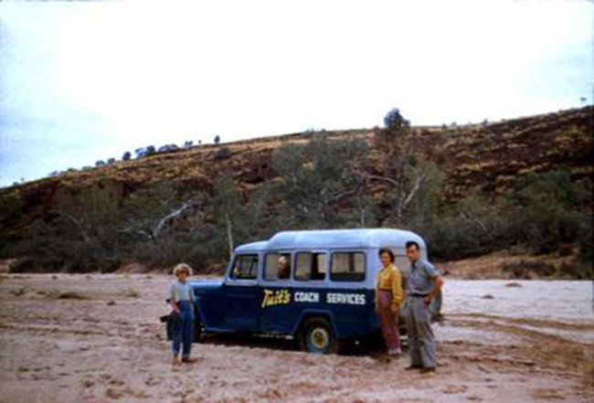 8_seater_jeep_bogged_in_australia_finke_river_roger_crowe_larger