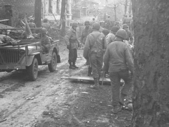 1945-04-08-holbrook-bradley-europe