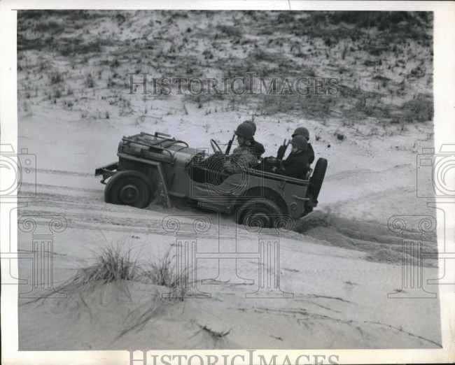 1944-03-17-invader-jeep-coast-guard1