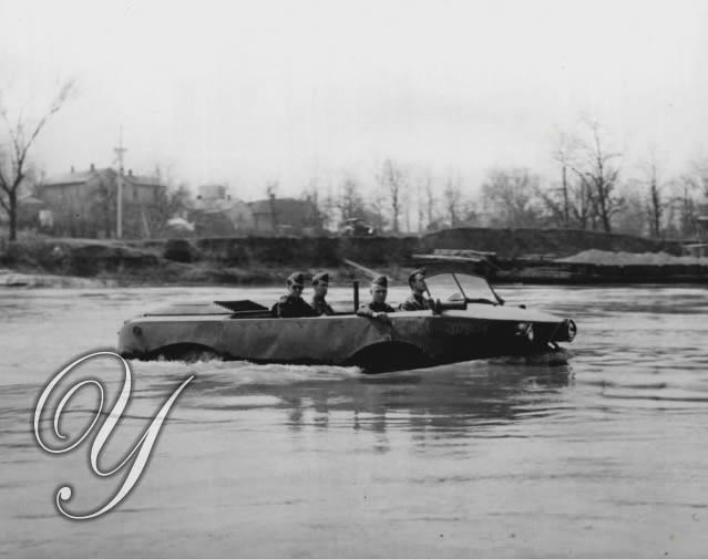1942-04-07-aqua-cheetahs-test-sea-jeep3