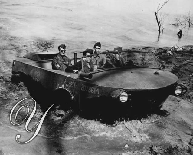 1942-04-07-aqua-cheetahs-test-sea-jeep5