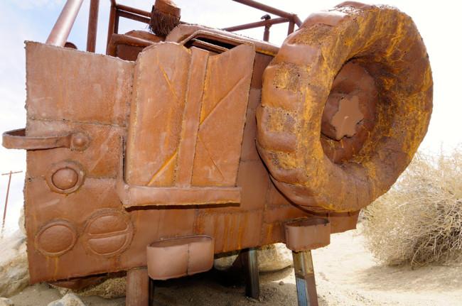 2014-04-02-borrego-sculptures-jeep2