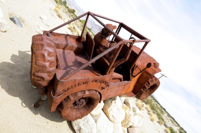 2014-04-02-borrego-sculptures-jeep6