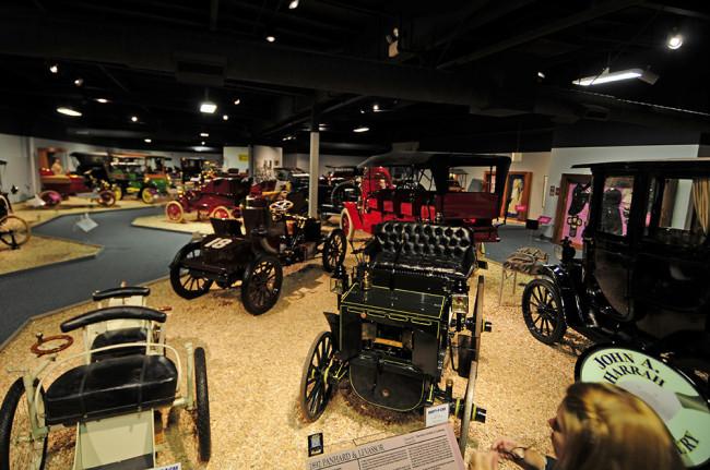 2014-04-24-museum-cars2