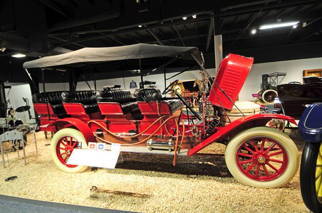 2014-04-24-museum-cars5