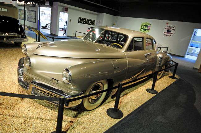 2014-04-24-museum-cars9