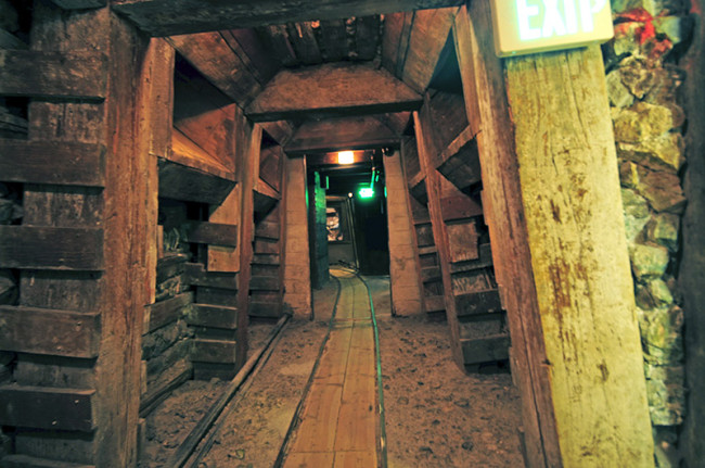 2014-04-25-nevada-state-museum-mine2