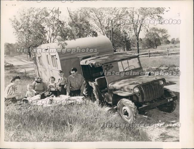1945-07-19-cj2a-picnic-with-camper1
