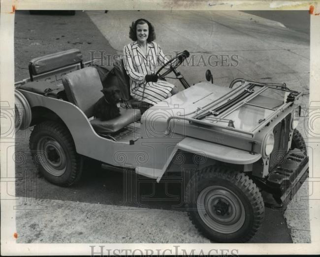 1945-08-30-cj2a-vec-sara-rogers1