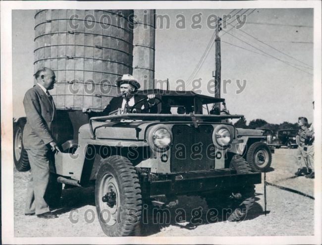 1945-09-29-first-jeep-buy3