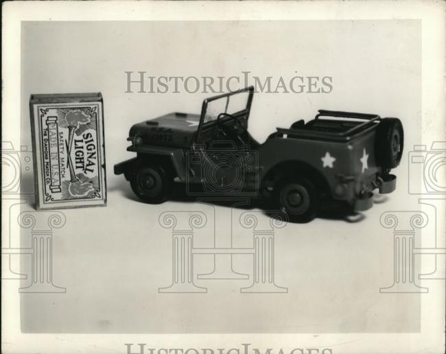 1942-02-05-worlds-smallest-jeep1