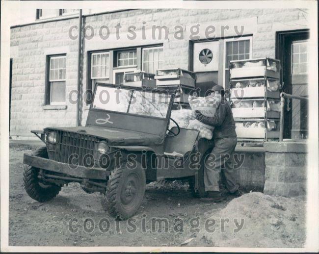1944-02-11-fordgp-lakegeneva-wi1