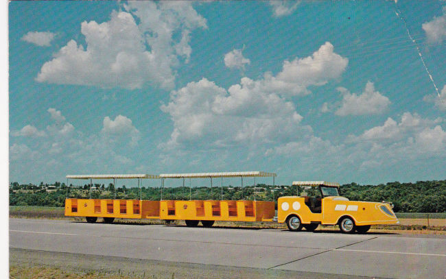 1966-diebler-trackless-jeep-train-postcard1