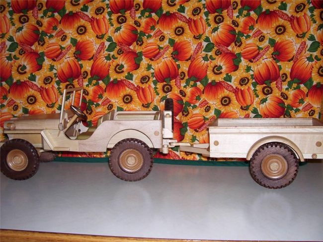 wooden-jeep-and-trailer
